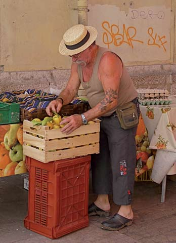 Market seller, photo by Jilly Bennett