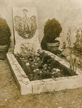 DH Lawrence's grave