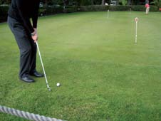 Golf Tips from Thomas Vander Clock - Facing a green-side chip